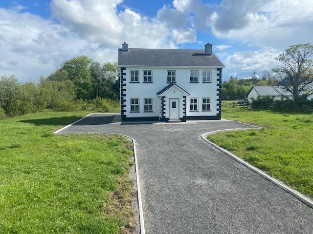 Cloonkeen  Kilkerrin  Ballinasloe Co Galway -Spacious 4 bed 2 Storey on large site